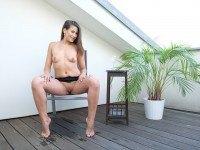 Yenna Pissing - Kinky Fun