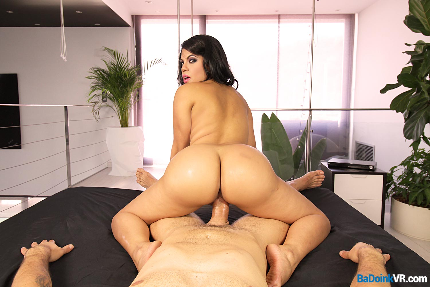 LOOKS latina cumshot ass want