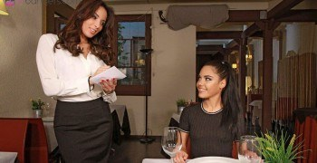 threesome reviews banging in a resturant vr porn blog virtual reality