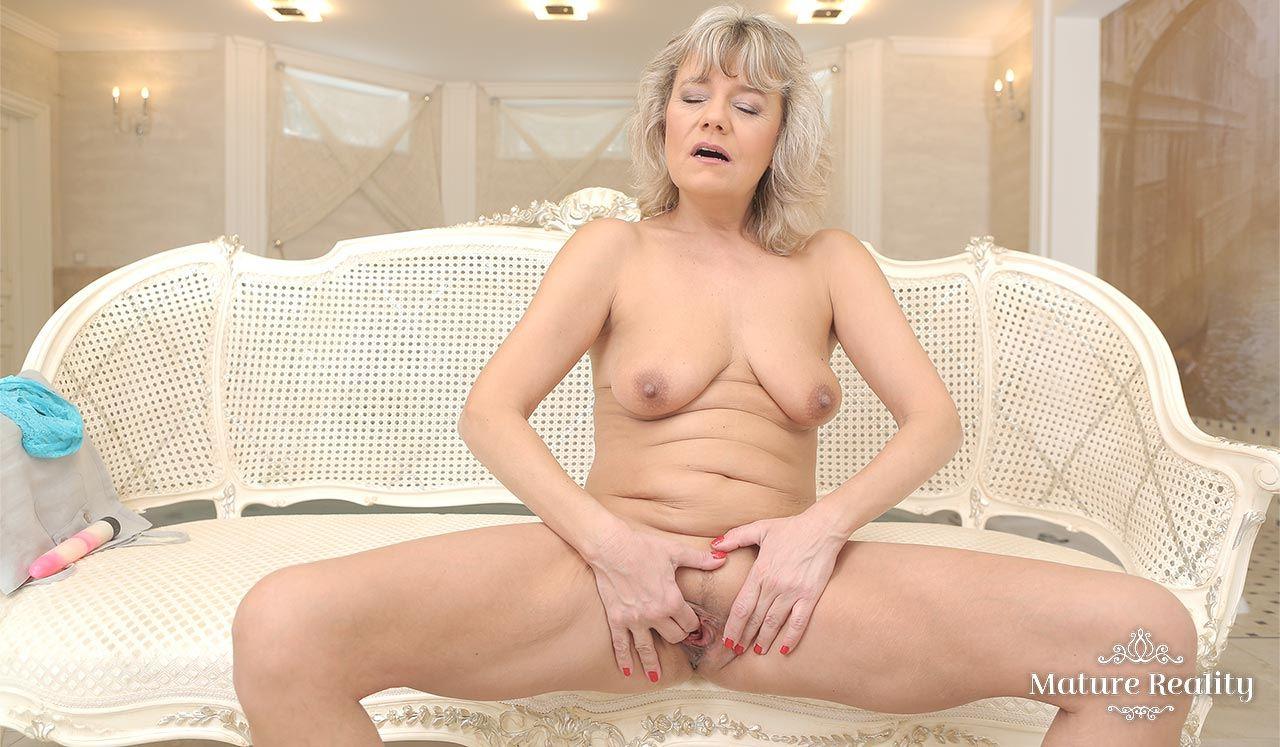 Pussy masturbation solo video you