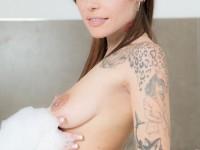 Lesbian Jacuzzi - Pussy Licking Fun VirtualRealPorn Eris Maximo VR porn video vrporn.com